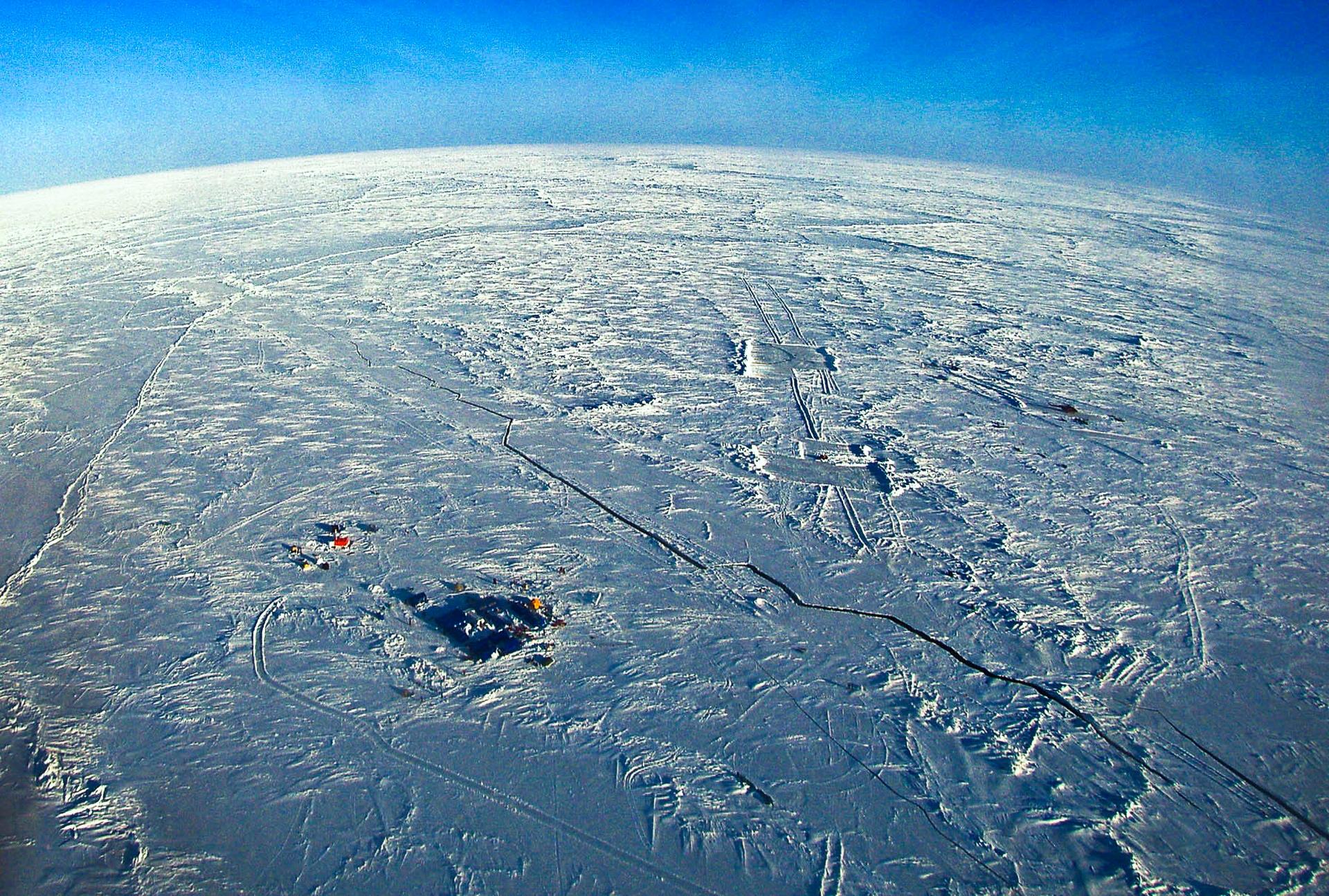 Arctic Polar Ice Cap 2005 # 01